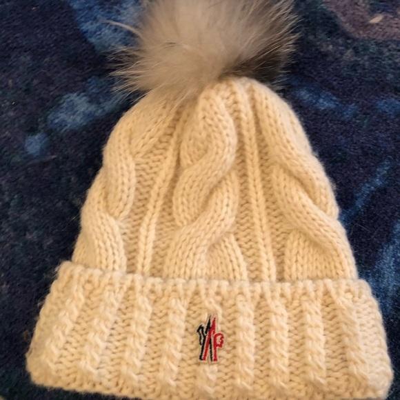 Moncler winter hat! M 5bc4e6d2de6f62f99f86a60a 48000a037fa7